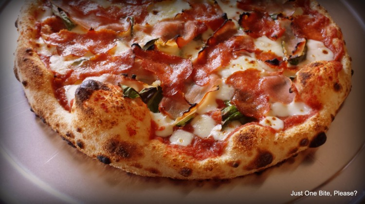 Pizza Margherita with Pancetta