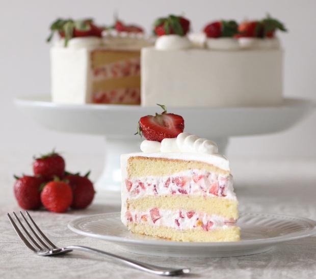 Strawberry Cream Cake 0.01